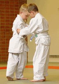 https://download.vikidia.org/vikidia/fr/images/1/18/Jeunes_judokas.jpg