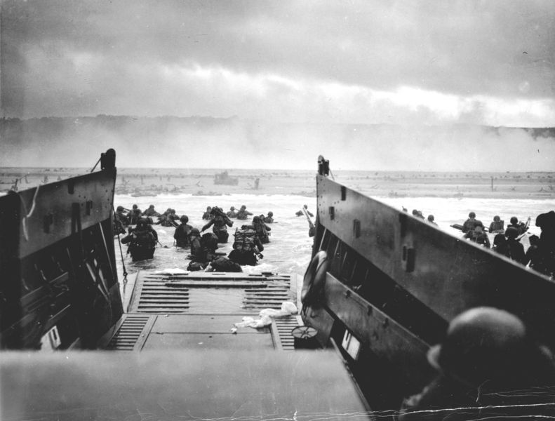 Fichier:1944 NormandyLST.jpg
