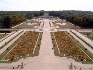 Jardin la fran aise vikidia l encyclop die des 8 13 ans for Jardin 0 la fran9aise