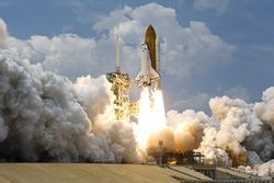 STS-125 Atlantis Liftoff 02.jpg