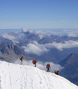 Alpinistes Aiguille du Midi 03.JPG