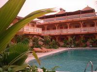 200px-R%C3%A9sidence_de_tourisme-Saly-Senegal