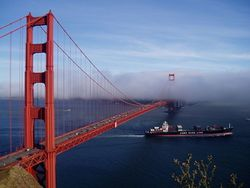 Le Golden Gate Bridge, dans la baie de San Francisco