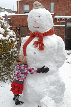 Snowman and a small child-20Dec2009.jpg