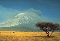 200px-Volcan_Oldoinyolengai