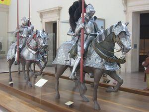 Armement du chevalier vikidia l encyclop die des 8 13 ans - Dessin armure ...