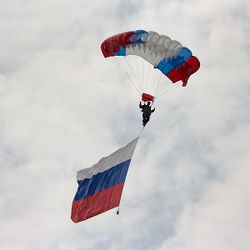 Parachuting - Russian flag.jpg