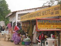 200px-Petits_commerces-Meckhe-S%C3%A9n%C3%A9gal
