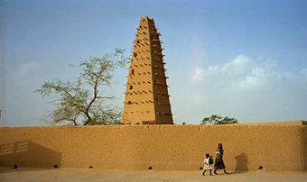340px-1997_277-9A_Agadez_mosque
